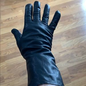 Vintage black kidskin(?) gloves size 7